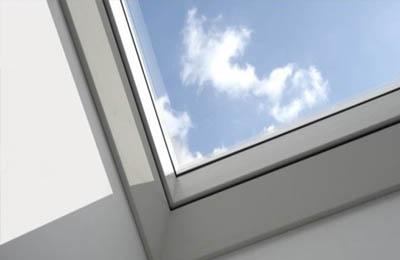 fen tre de toit comparez les prix en ligne. Black Bedroom Furniture Sets. Home Design Ideas
